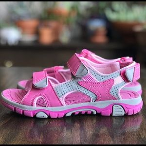 📚 Khombu - Kids Pink Sandals